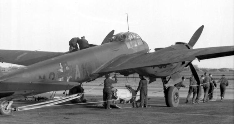 Frankreich, Flugzeug Ju 88